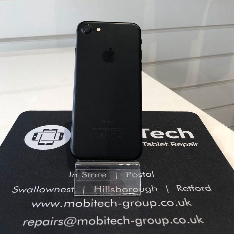 Apple iPhone 7 – 32GB – Space Grey – Unlocked
